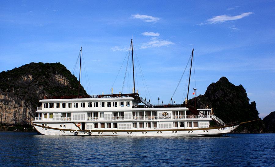 Luxury Jasmine Cruise Halong Bay