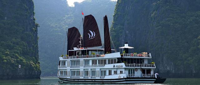 Luxury Pelican Cruise Halong Bay