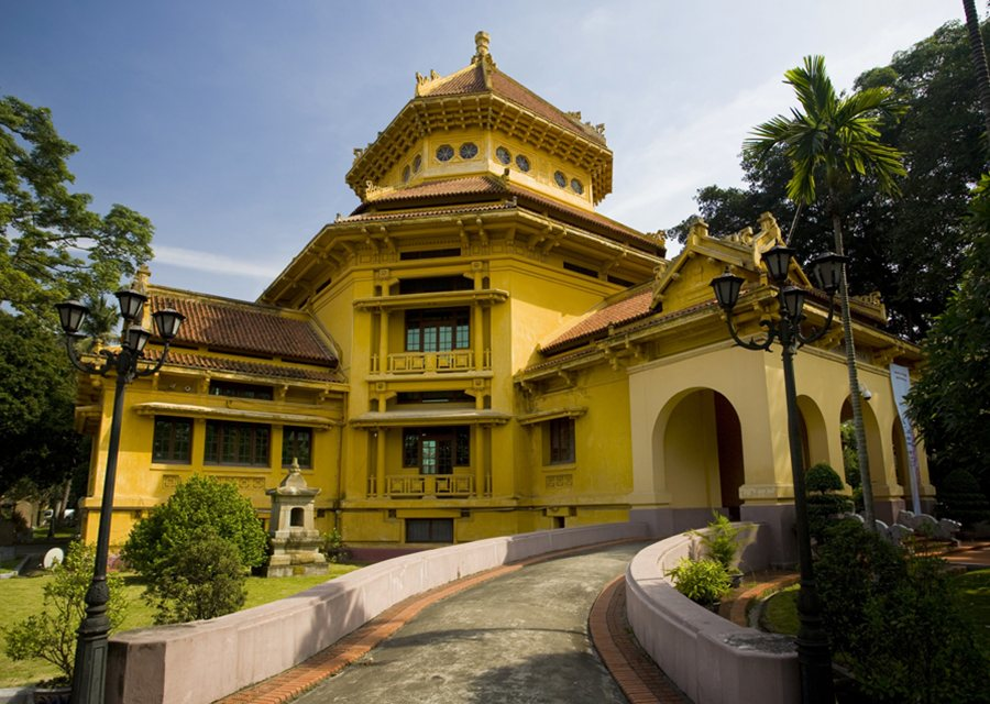 Vietnam History Museum – Travel guide