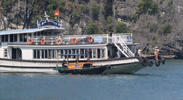 Ha Long struggles to curb harassment of tourists
